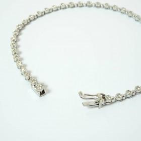 N.E. From vedhæng i sølv